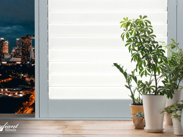 https://radiantblinds.com/wp-content/uploads/2020/07/lumina_shutters_radiant_blinds-640x480.jpg